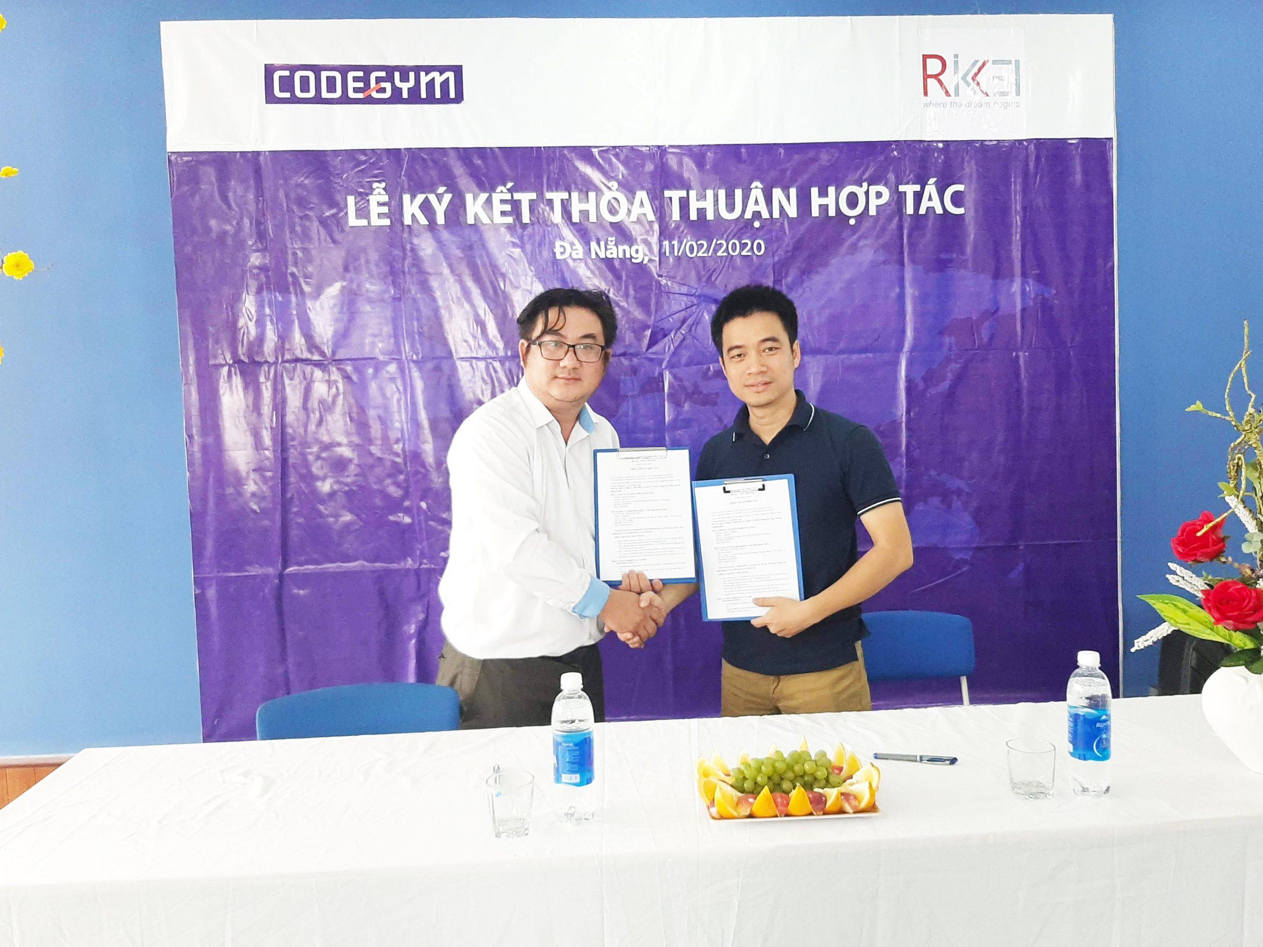 ký kết hợp tác với công ty Rikkeii